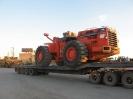 حمل کالا : لودر 700 توسط  کمرشکن 11 محور ( محموله ترافیکی ) شرکت حمل ونقل خلیج فارس ترابر